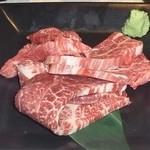 闘牛門 - 希少部位食べ比べ:下からイチボ・シャクシ・ヒレ