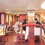 孔子膳堂 - 【'15/02/04撮影】店内のテーブル席の風景です
