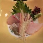 吉位寿司 - よこわ。エンガワも付いてる。