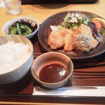 クラップス - フライ定食 810円