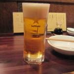 サカズキ屋 - 生ビールは黒ラベル