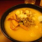 横浜元祖 札幌や - 味噌ラーメン 800円