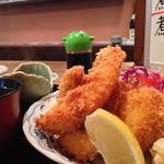 まる福 - 料理写真:海鮮フライ定食