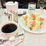喫茶室ルノアール - ローストチキンサンドとビターブレンド セットで1030円
