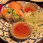 バンコクガーデン - 食べかけです笑。海老のさつま揚げが最高なんですよー!!!チャーハンはあっさりでトムヤムスープと相性良し!!