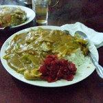 玉蘭 - 大盛り野菜カレーライス。ボリュームたっぷりで満腹間違いありません。
