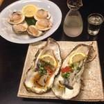 幸寿司 - 生牡蠣と白蛤焼き