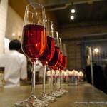 34895995 - 白ワインとベリーのカクテル