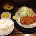 34896030 - ロースカツ定食