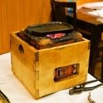 諸菜 匠 - 2015.2 備長炭で熱した鷹匠鍋