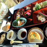 鷲羽山レストハウス - あったか牛すき鍋とたこづくしランチ