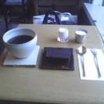 349256 - コーヒーとチョコレートケーキ