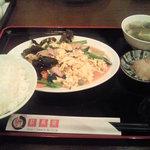 3490581 - 豚肉ときくらげ卵野菜炒めランチ