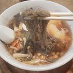 """食堂うめのや - これが""""遠野ラーメン""""の特徴 麺"""