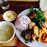 eiO - ご飯のランチ