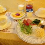 Jin Jiang Rainbow Hotel - 料理写真:虹橋賓館 朝食 2015年2月訪問