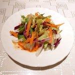 サライ - <'15/02/08撮影>ドネルビーフケバブスペシャルセット 1000円 のサラダ