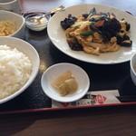 文華楼 - 料理写真:木須肉定食