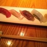 34907388 - 握り寿司(マグロ、鯛、鯖、イカ)