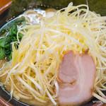 横浜家系ラーメン 町田商店 - 醤油 ネギラーメン【2015年1月】