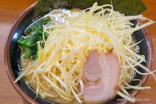 横浜家系ラーメン 町田商店 本店 - 醤油 ネギラーメン【2015年1月】