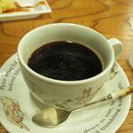 カフェ ウッド ルーフ - ホットコーヒー  ピーターラビットが懐かしい感じ