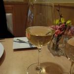 34912274 - 白ワイングラス