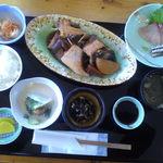 ふみ屋 - ¥1000(税込) 魚のアラ煮定食