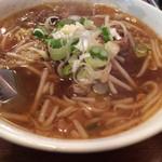 34918867 - 牛肉麺(ニューロウメン) 850円