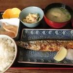 34923022 - 日替わり定食/塩サンマ焼:500円