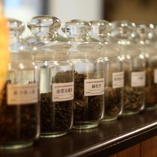 多種多様な中国茶をお楽しみください