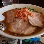 まる十八 - 料理写真:海老味噌ラーメン\880+巻きバラチャーシュー\200