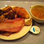 3493155 - 1日目の朝食