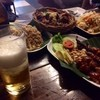 Som Tam Nua - 料理写真:ビール越しに見るこの風景!