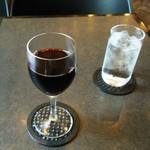34935776 - グラスワインで朝酒。