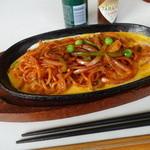 靖子 - 料理写真:2015.02 なぜか箸と一緒に提供されたイタスパ