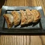 34940836 - 旨汁餃子(小籠包のような肉汁入り) ※ニンニク抜き
