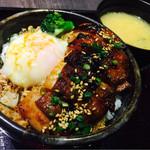今是 - ランチ焼き鳥丼 750円