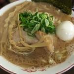 34943843 - らぁ麺(大)800円+煮玉子100円