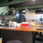 らーめん 至 - 厨房