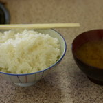 伊賀食堂 - 定食のご飯とみそ汁