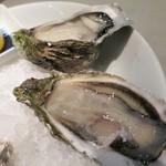ガンボ&オイスターバー - 旬の真牡蠣