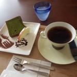 花カフェきゃろっと - 恵み野ブレンド&ほうれん草シフォン