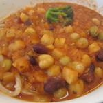 武蔵野うどん 一彩 - 豆と野菜がいっぱい