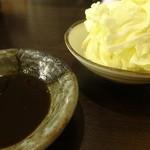 まなや - 料理写真:ソースとキャベツ