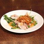 ドラゴンレッドリバー - 五色小籠包と蟹炒飯セット 1000円 の冷製豚しゃぶ香味ダレ