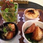 nino cafe - 料理写真:サラダ、白菜とわかめの豆腐ソースグラタン、大豆のからあげ きのこの中華あんかけ、大根の竜田揚げ