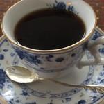3rd フロア - 食後のドリンクはコーヒーに。紅茶も選べるそうです。