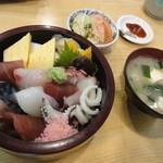 兼六寿司 - ちらし