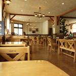 レストラン シラカバ - 2013年9月 広いです!